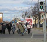 Опрос пешеходов на пр. Независимости: почему вы идёте по велодорожке?